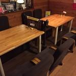 メキシカン酒場タコドール - テーブル席もあるので、長時間でもゆっくりくつろげます♪