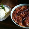 らくだ山 地鶏の店 - 料理写真:地鶏炭火焼き(2人前) 焼き野菜 (1人前)