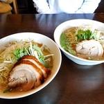 さぶろう - 料理写真:濃厚肉煮干しそば(大)(左)& 濃厚煮干しそば(大)