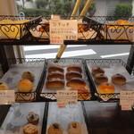 スリジエ - 菓子パンの陳列