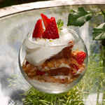青山フラワーマーケット ティーハウス - いちごのショートケーキ