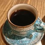 83151337 - 青い綺麗なカップ&ソーサーの焙煎珈琲