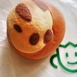 フルールブラン - クリームパンダ 100円+税