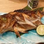 鮮魚と炉端焼き 魚炉魚炉 - メバル塩焼き