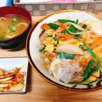 仲尾次 - カツ丼(500円)