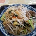 寅ちゃんラーメン - ホルモン炒め