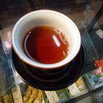 壽堂 - すぐに温かいお茶を出して下さいました♪ほっこり★