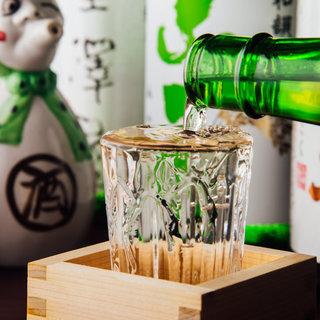 徳島県産の食材は空輸で仕入れ。こだわりの日本酒も自慢です♪