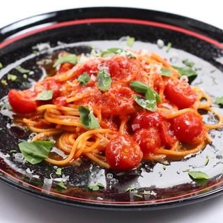 地元産のプチトマトのスパゲッティ