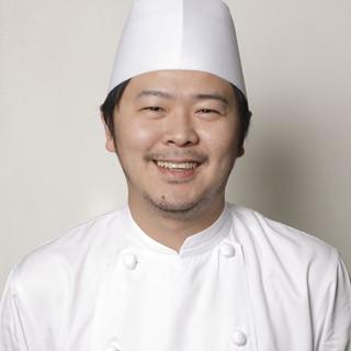 腕利きの総料理長、袁家寶(えんかぽ)氏による作品の数々