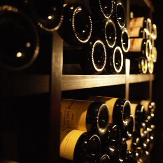 お料理とのマリアージュをお愉しみいただける充実のワインリスト