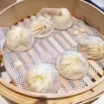 鼎泰豊 - 2018年2月:小籠包3種盛り(豚肉、ホタテ、蟹みそ)(\1160+税)
