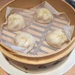 鼎泰豊 - 2018年2月:担々麺セット(\1440+税)の小籠包
