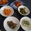 焼肉ソウル - 料理写真:定食のパンチャン。少なくなってきたら店員さんがお代わりするか聞いてくれますよ♪