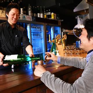 壁一面に並んだ日本酒から選べる楽しさ