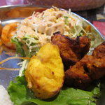 8320995 - 白身の焼き魚、チキンティッカ