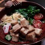むらむすび - 厚揚げ豆腐サラダ