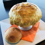 ザ ジュエルズ - 『北海道産牛ほほ肉の煮込みシチューのパイ包み(パン付)』 税込1,944円