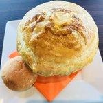 ザ ジュエルズ - 『北海道産牛ほほ肉の煮込みシチューのパイ包み(パン付)』 別角度