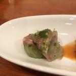 トラットリア・ダ・ルッツォ - 料理写真:真鯛のカルパッチョ  バジルとアンチョビソース