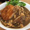 マナスル山荘 本館 - 料理写真:三元豚カツカレー ハーフ 1100円。
