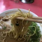 長浜ラーメン ごん太 - 2018年3月28日  麺リフト(かためん)