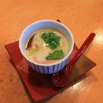 鮨の平八 - サービスの茶碗蒸し