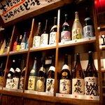 くし処 虎ノ坊 - 各種お酒はどれも店主がこだわりぬき、全国蔵元から厳選・直送したものばかり。料理に合わせてどうぞ♪