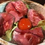 あずみの庵 - ローストビーフ丼