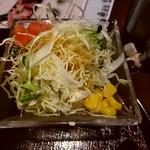 83224693 - 【2018.3.29(木)】牛骨醤油ラーメン定食(並盛)1,058円の野菜サラダ