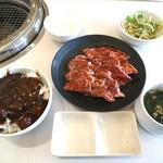 じゅうじゅうカルビ - 料理写真: