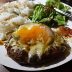 KICKS - ハンバーグ定食プレート