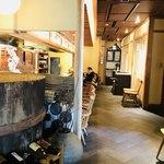 魚匠 銀平本店 - 1階のカウンター