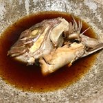 83228692 - おまかせ定食の煮魚は鯛の頭(^○^)   間違い無いですね