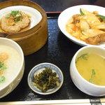 中国広東料理 えん - 酢豚ランチ(950円)お粥を選びました
