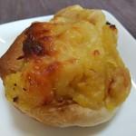 NEEDs - モッツァレラチーズと焼きいものはちみつぱん