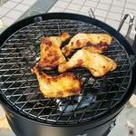 ハワイアンリゾートカフェ レオラ - 鶏肉のBBQ いわゆる ヤキトリ