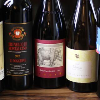 歴史あるイタリアワインを厳選◇その数は200種以上に及びます
