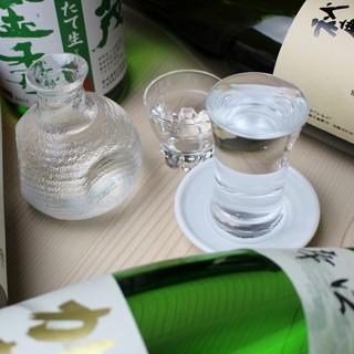鮮魚に合う!日本各地の地酒を豊富にご用意しております。