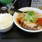 辛口肉ソバ ひるドラ - 辛口肉ソバ味噌大盛り+白ご飯大盛り
