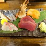 魚椿 - お刺身3種盛り(680円)