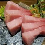 和彩dining 花 - 近大マグロ 脂がのって美味しかった!でも赤身とトロ、二種類選べるようにして欲しいなぁ♪実は赤身が好き(笑)