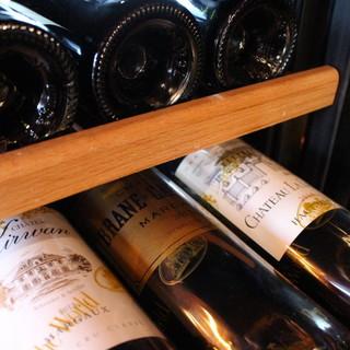 当店ソムリエによる厳選したワイン