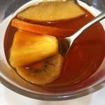 うなぎダイニング 燕 - ルイボスフルーツティ(オレンジ、パイナップル、ブルーベリー、りんご、キウイ)