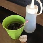 ぴかる - 食後サービスのアイスコーヒー