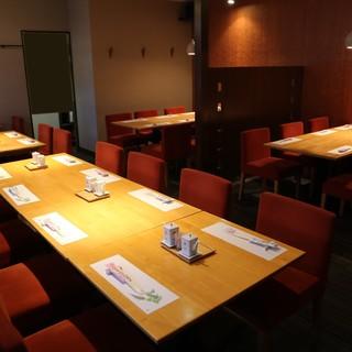 ◇全40席◇1Fはカウンター席、2Fはテーブル席が充実◎