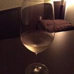 銀座 海老料理&和牛レストラン マダムシュリンプ東京 - ヤルデン・ソーヴィニヨンブラン