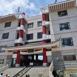 83269244 - とても中華料理店とは思えない要塞のような建物は凄い存在感です!