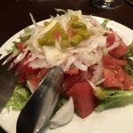 83272324 - 有機トマトとギンディージャのサラダ