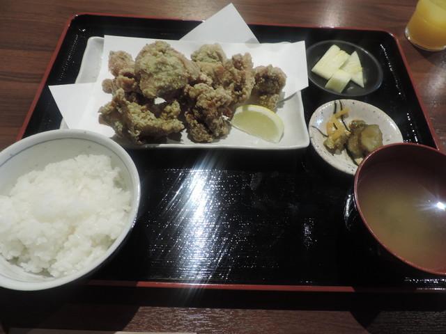 世界三大牛×個室肉バル KURA 神田店の料理の写真
